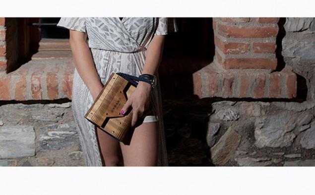 SAVOIR VILLE: Orphans' 1618 , τέχνη με ξύλινες τσάντες