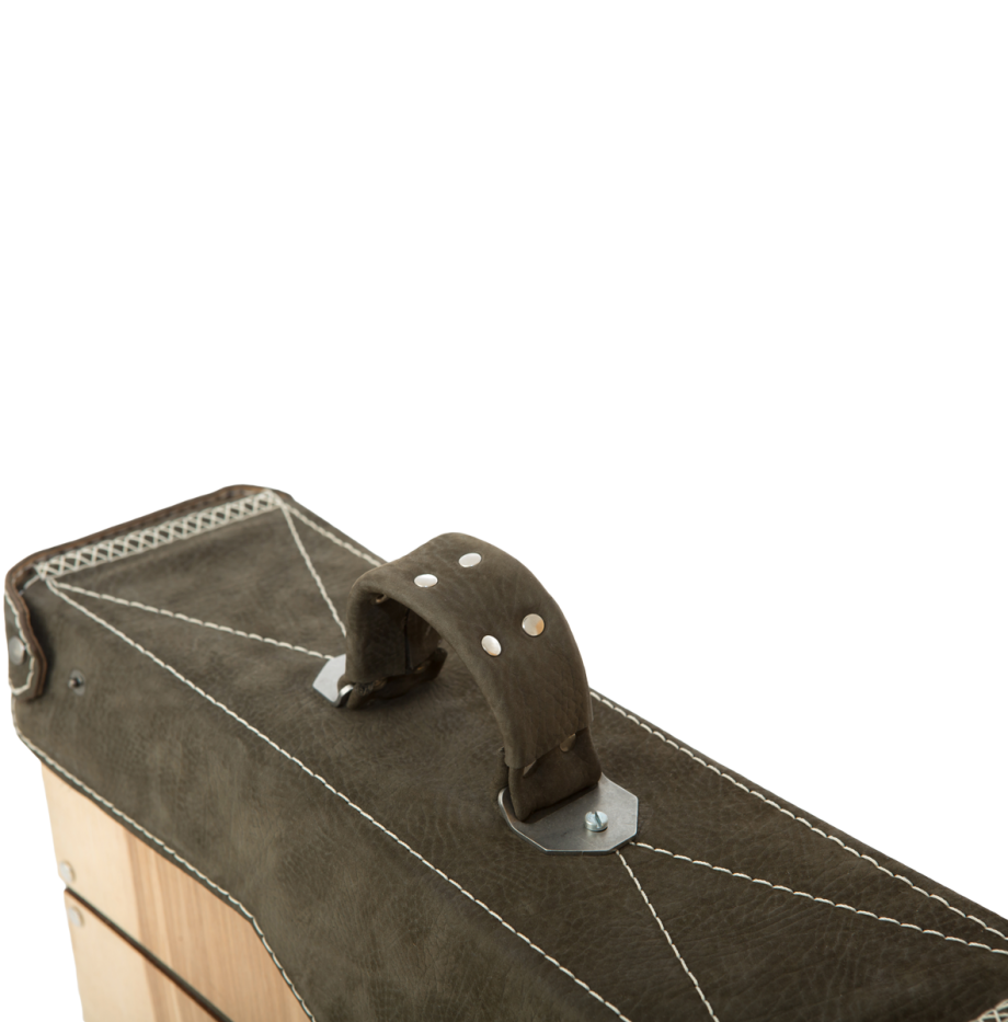 olive-ash-crown-mailbox-details4