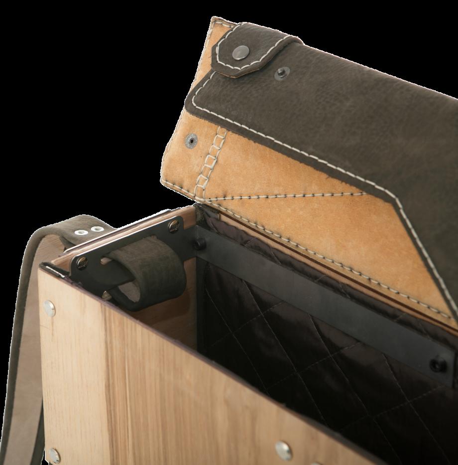 olive-ash-crown-mailbox-details5