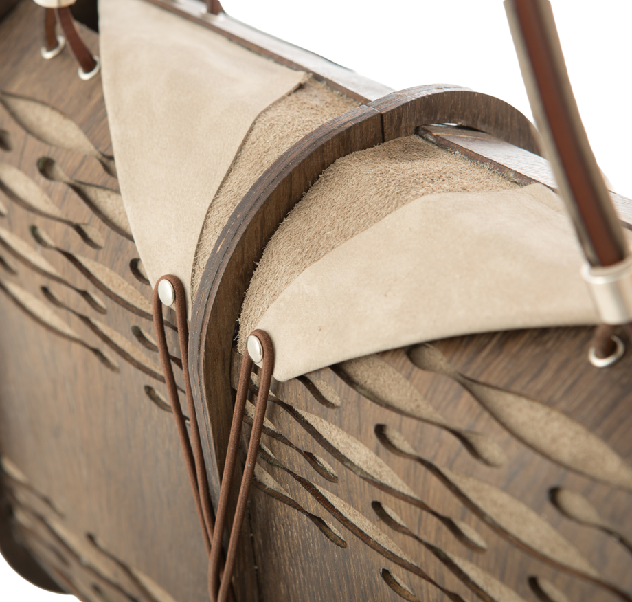 smoked-oak-purse-details