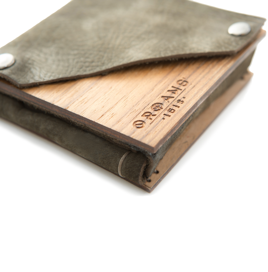 teak-wallet-brown-details